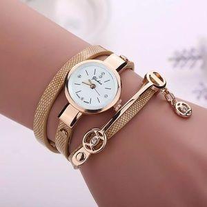 Gold color pu wire bracelet fashion watch